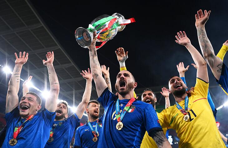 Бонусы на Евро: как начисляют, на что тратят? Италия получила 34 млн за победу, датчане отдали часть на благотворительность