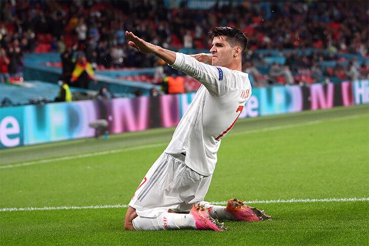 Снова очень жаль Морату: он 40 минут был героем Испании, а потом не забил решающий пенальти