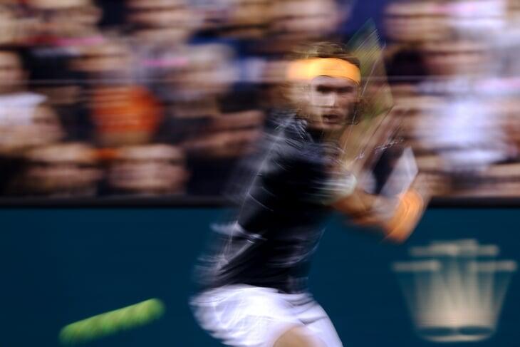 Теннис – запредельно быстрая игра, для реакции на удар есть всего секунда. Как мозг игроков адаптируется под темп?
