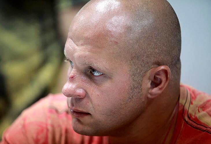 15 лет назад Федор Емельяненко перебил лучшего ударника тяжелого дивизиона. Так он отомстил за брата