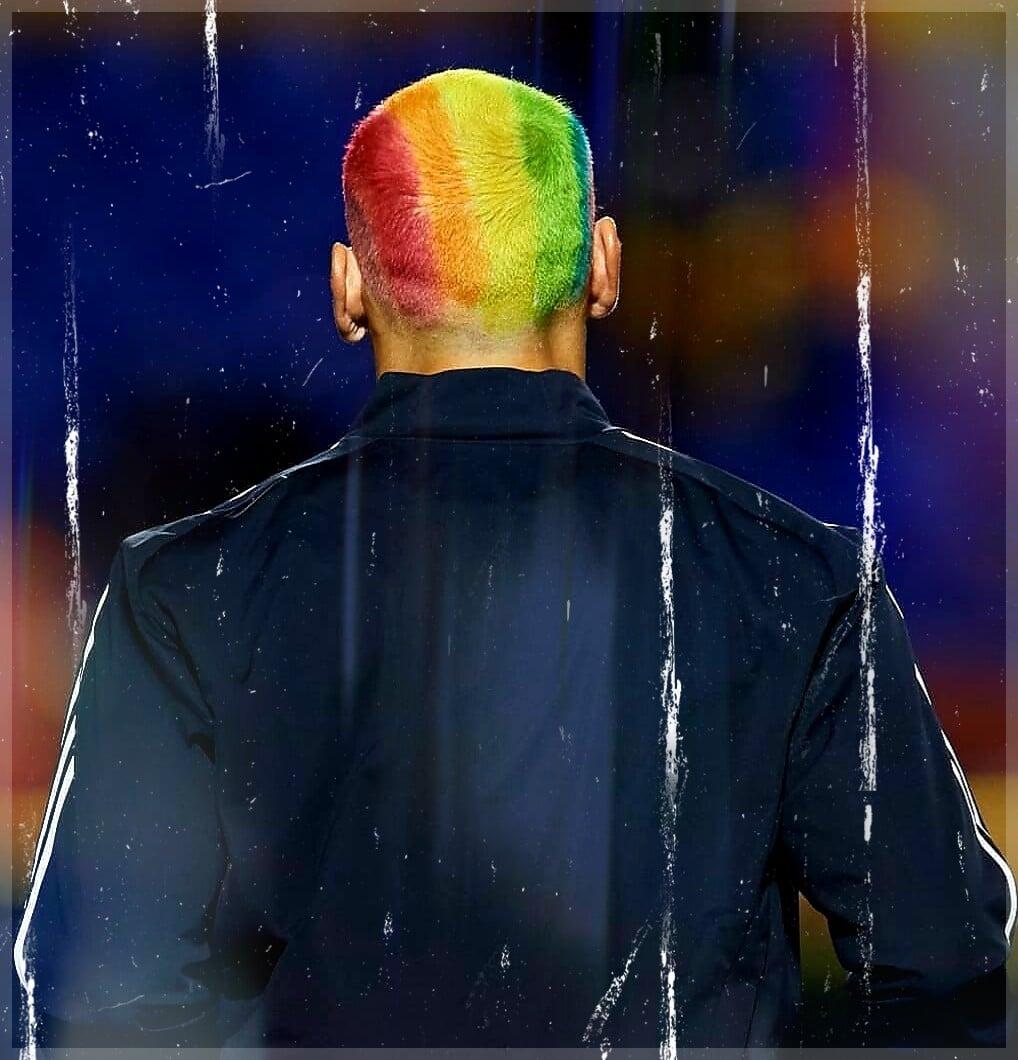 Красивый жест бывшего кипера сборной Аргентины, который дружит с Месси: покрасил голову в ЛГБТ-цвета в поддержку секс-меньшинств