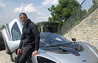 Криштиану купил суперкар «Макларен Сенна» за 1 млн евро (789 лошадиных сил!). В его автопарке больше 20 классных машин