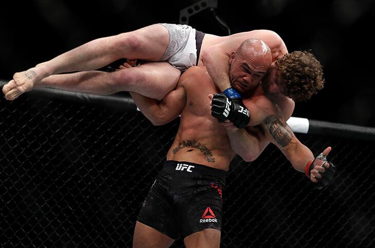 Бен Аскрен бесславно завершил карьеру. Называл себя лучшим, но в UFC дважды эпично проиграл