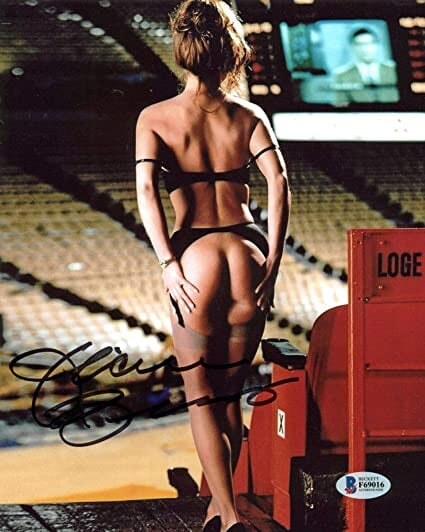 Владелица «Лейкерс» снялась для Playboy