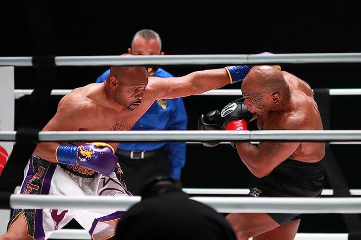 Бой Тайсона и Джонса – не цирк. Они мощно боксировали для бойцов 50+, но все испортила странная ничья