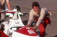 Однажды Михаэль Шумахер сам разобрал болид в поисках поломки. Механики ничего не нашли, а чемпиону удалось