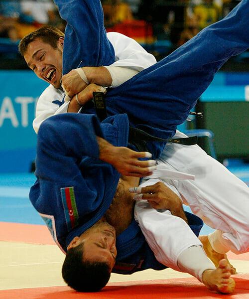 Олимпийский поединок, который привел Дмитрия Носова в политику: выиграл со сломанной рукой, растер кровь по лицу