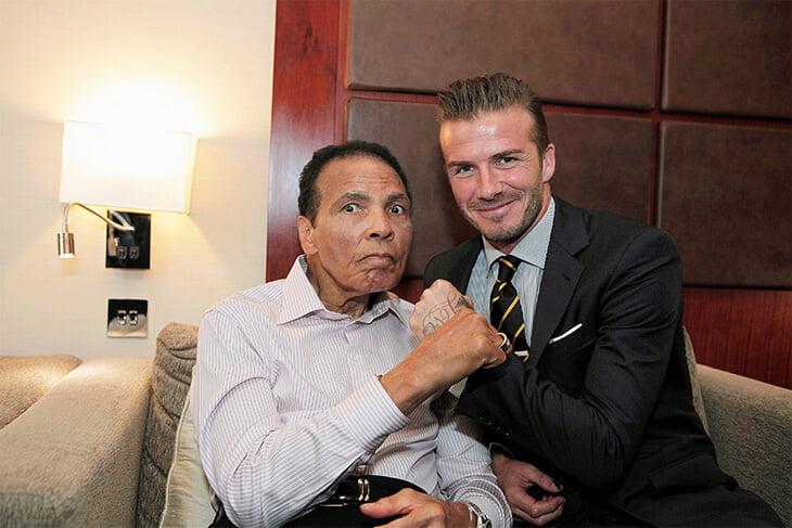Бекхэм вдохновлялся Али и называл его лучшим спортсменом. Вместе они награждали афганского беженца