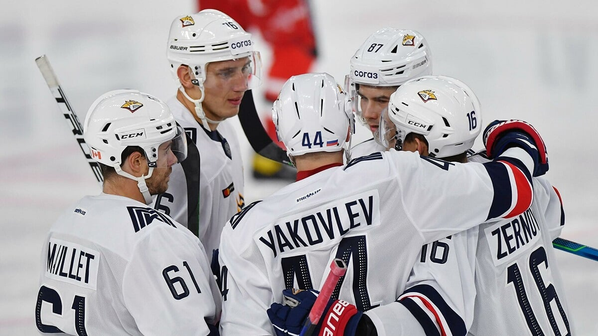 Магнитка выиграла у ЦСКА (4:0), продлив победную серию до 7 матчей