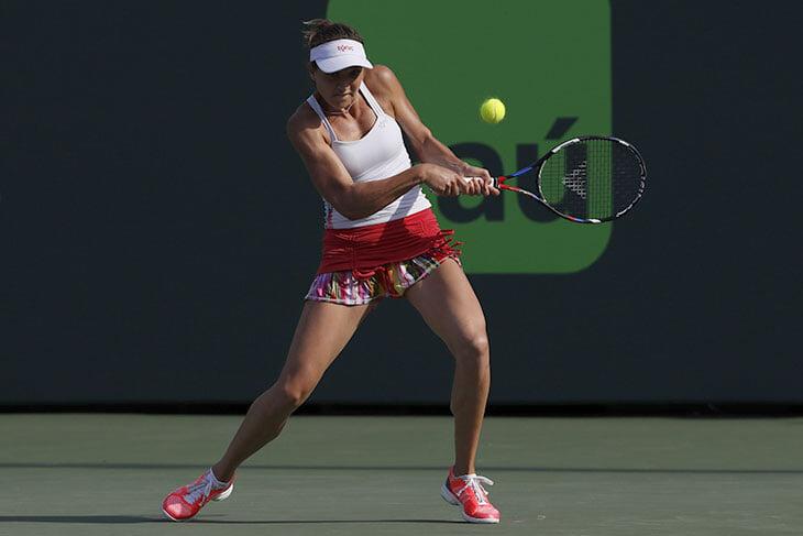 Бушар теперь дозирует бикини в инсте и снова хорошо играет в теннис. Чуть не спасла финал с 7 матчболов