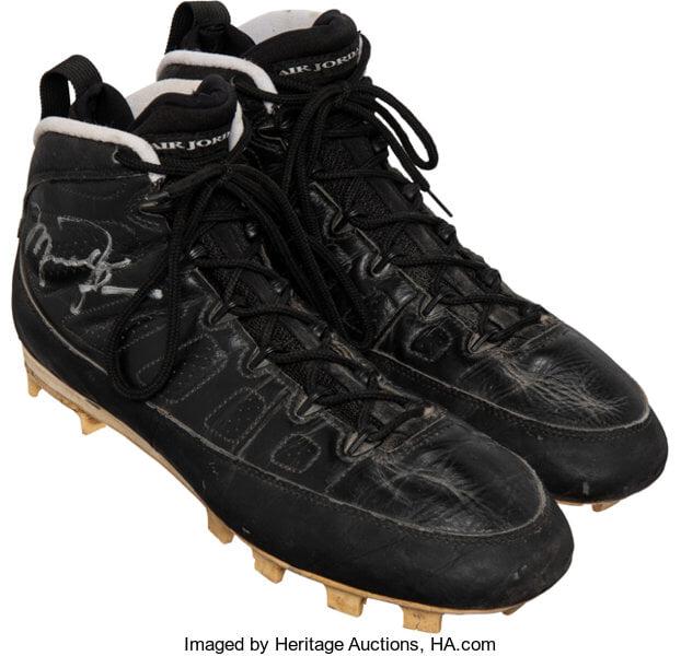 rue18d7b52db3 - Продадоха бейзболни обувки на Джордан за над $90 000