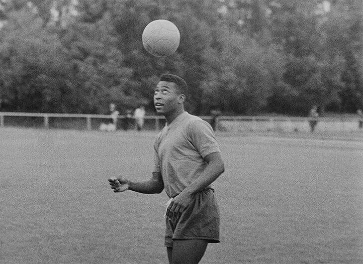 «Пеле с мячом – чистая магия. Ничего подобного я больше не видел». Культовый режиссер Вернер Херцог без ума от футбола
