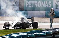 Мерседес, Формула-1, Льюис Хэмилтон, Гран-при Малайзии