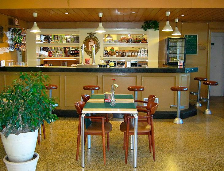 Кафе в теннисном клубе «Помпея».
