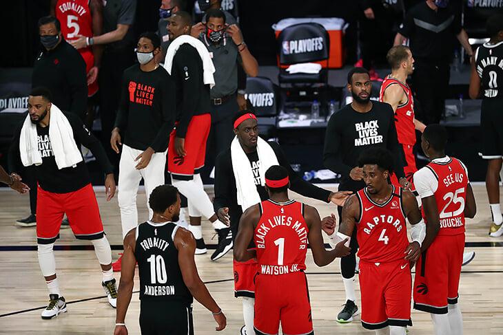 Закатать в асфальт. «Бостон» устроил царскую охоту на Эмбиида, а теперь попробует снять корону с «Торонто»