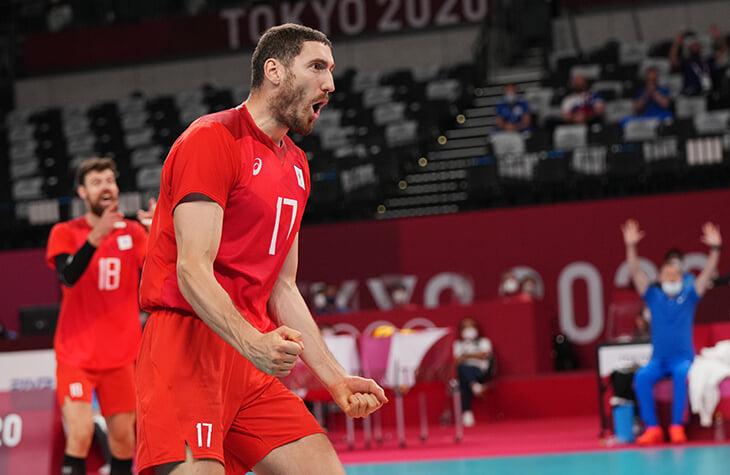 У Нагорного – бронза на перекладине, Шубенков снялся с Игр, волейболисты в 1/2, боксеры Гаджимагомедов и Батыргазиев – в финалах. Онлайн дня на Олимпиаде