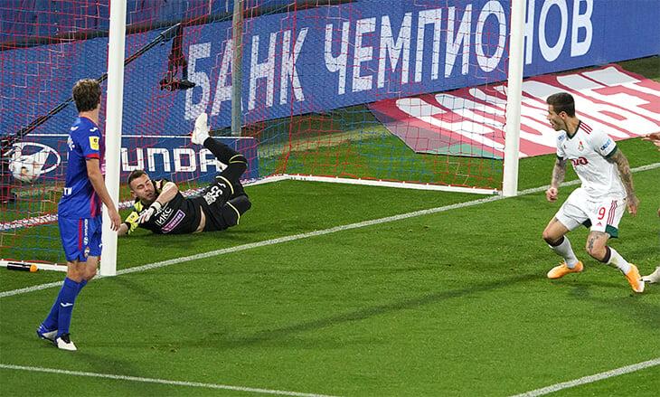 «Локо» помогло, что Гончаренко сыграл без нападающих. А лучшим стал Эдер
