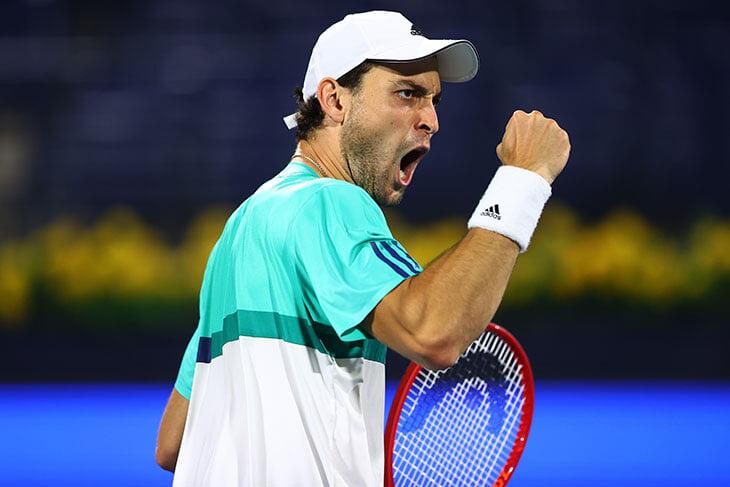 Карацев не останавливается – он в 1/2 финала в Дубае! За счет мощи, выносливости и ума прошел молодую звезду ATP