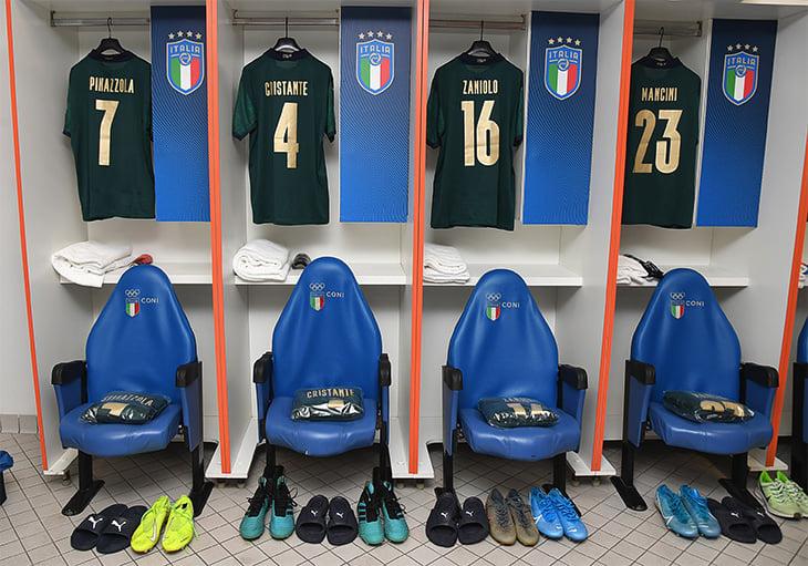 Италия сыграла с Грецией в новой зеленой форме – и вышла на Евро