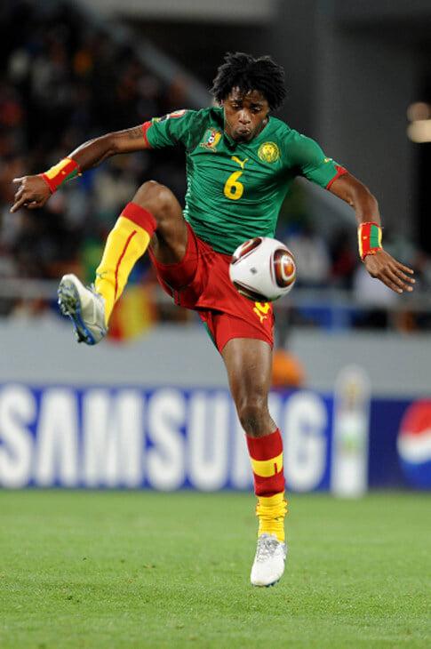 «В «Барсе» говорили, что почти не буду играть, но мне было насрать – я знал, что стану миллионером». Алексу Сонгу 33 – и он звезда чемпионата Джибути