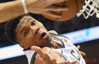 НБА, Детройт, Яннис Адетокумбо, видео, Иш Смит, Милуоки