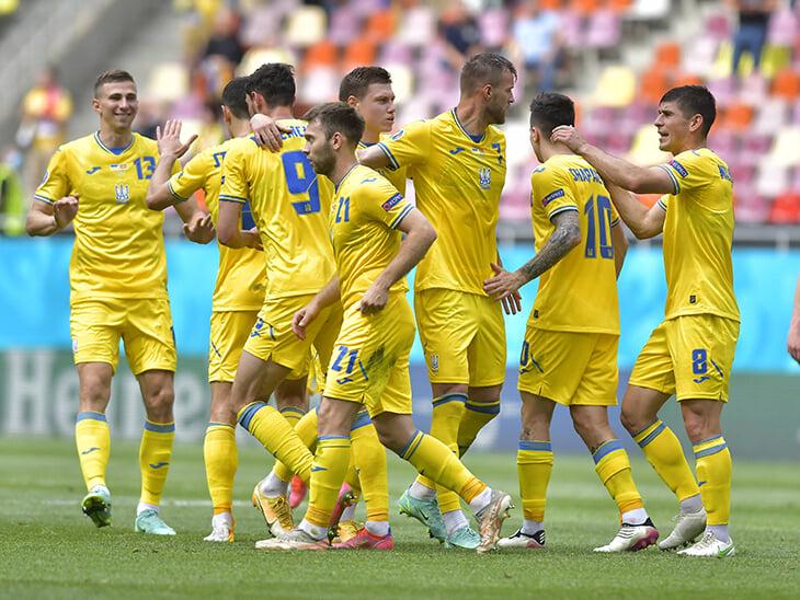 🇺🇦 Украина в плей-офф! Благодаря испанским 5:0 и победе шведов впервые вышли из группы на Евро