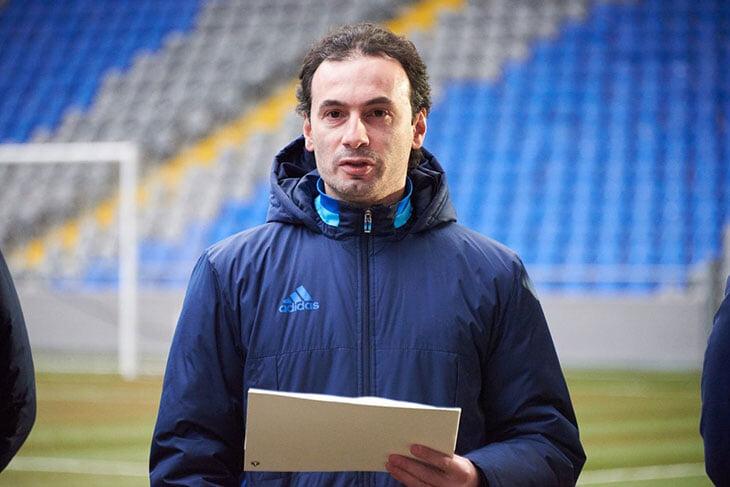 Кто такой Бабаян, которого пригласил ЦСКА? Обыгрывал «Ренн» в ЛЕ, гоняет на стажировки в Европу, призывает игроков жить в режиме Роналду