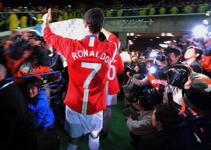 Роналду вернул себе 7-й номер в «МЮ». Кавани уступил и взял свободный 21-й, АПЛ сделала исключение из правил