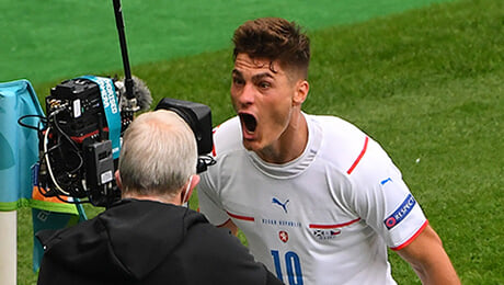 бундеслига Германия, Байер, серия А Италия, Рома, Евро-2020, сборная Чехии по футболу, Патрик Шик