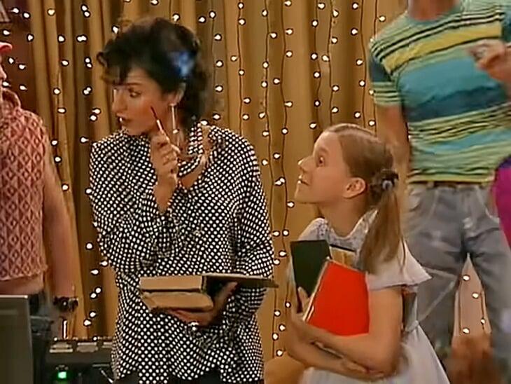 Семак сыграл в «Папиных дочках» – видели такое? В одной сцене с Тиной Канделаки, группой «Корни» и участниками «Челси»