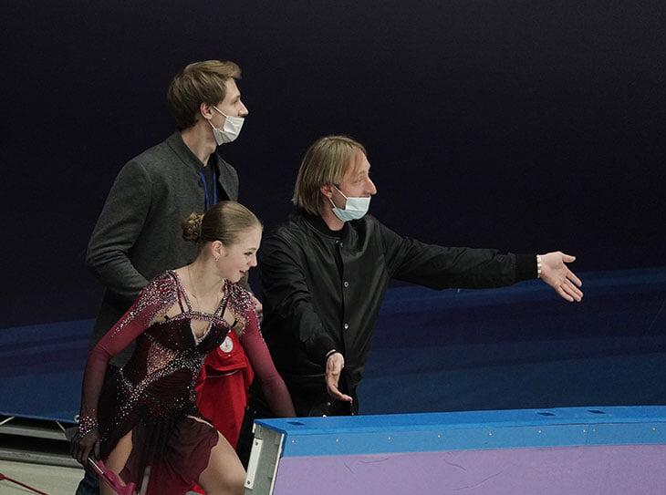 Трусова первой в истории освоила все четверные прыжки. Сколько времени ей на это понадобилось и чему научил Плющенко?