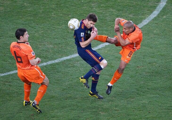 Слуцкий говорит, что коронавирус особенно опасен для футболистов. Это правда?