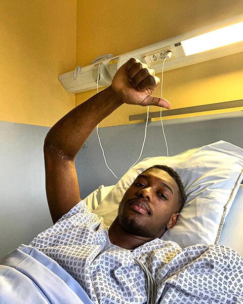 20-летний вратарь (принадлежит «ПСЖ») потерял сознание на поле из-за приступа тахикардии. Да, такое случается даже со спортсменами