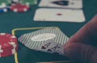 Покер на Багамах. Смотрите, как разыгрывают 9 миллионов долларов