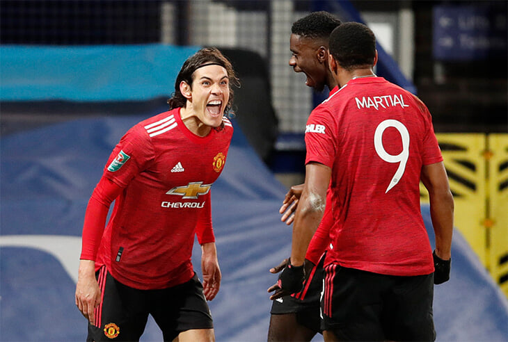 Кавани вытащил «МЮ» в полуфинал Кубка Лиги, хотя до победного гола схватил соперника за шею. Красную не показали: в Кубке Лиги нет ВАР