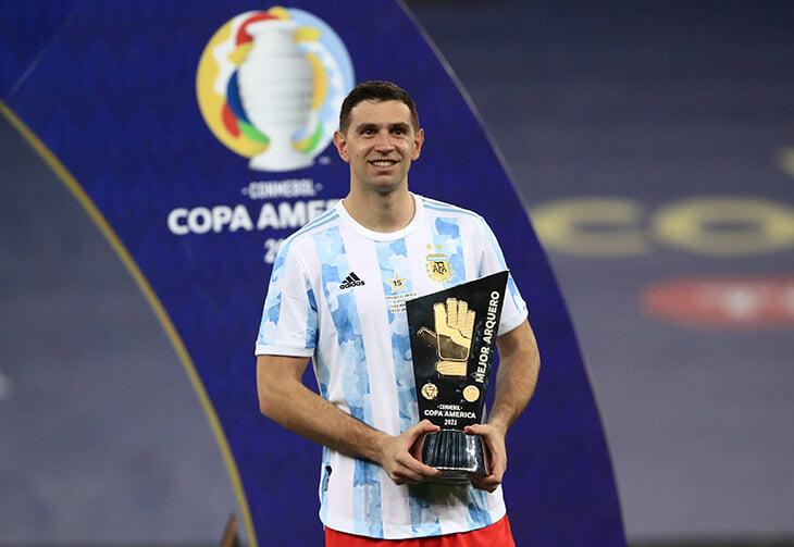 Новый герой Аргентины – кипер Эмилиано Мартинес. В 16 он перешел в «Арсенал», чтобы вырваться из бедности и спасти семью от долгов