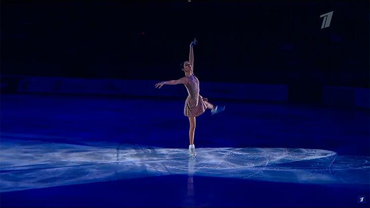 «Настоящее волшебство! Спасибо, что ты с нами». Евгения Медведева вернулась под «Эхо любви» Анны Герман