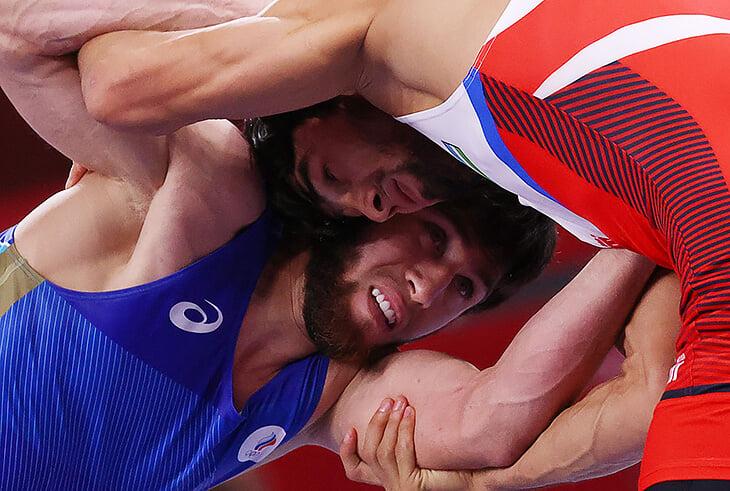 Гандболистки в полуфинале! Сразу четверо борцов в шаге от медалей, ждем золото синхронисток. Онлайн дня на Олимпиаде