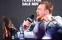 «Я чемпион с кучей бабла, а ты просто бомж». Конор МакГрегор и другие бойцы UFC, которые не ответили за слова