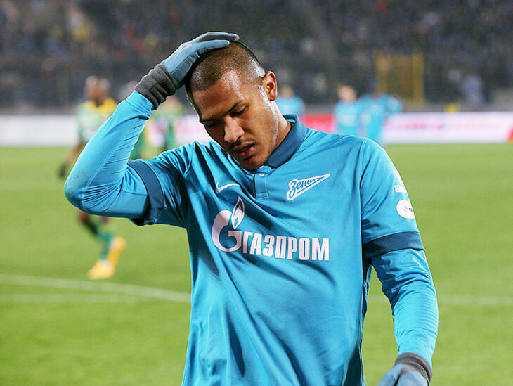 Рондона в России сильно критиковали (он забивал только мусорные голы). Но «Зенит» продал его из-за лимита