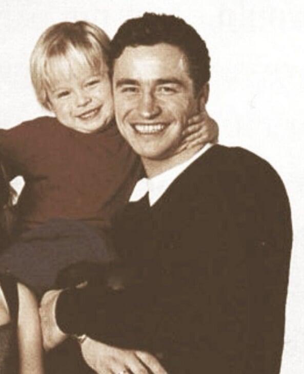 «У него подогнулись колени, и он медленно опустился». 25 лет назад наш суперфигурист умер на льду – в Америке