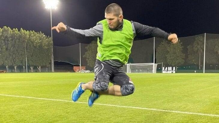 Хабиб мечтал о футболе – и его ждут в махачкалинском клубе ПФЛ. Видят форвардом и предлагают вписать любую зарплату