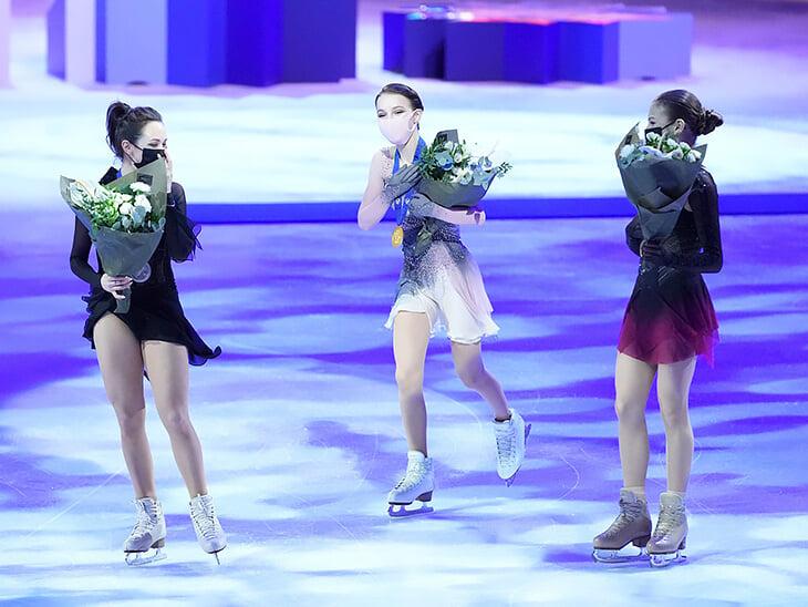 Кого возьмут в сборную России? 11 фигуристок выполнили критерии отбора (есть еще Загитова и Медведева), а мест всего 6 🤔