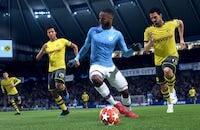 Любишь FIFA и Football Manager? Регистрируйся на сайте, выиграй игровую приставку и денежные призы!