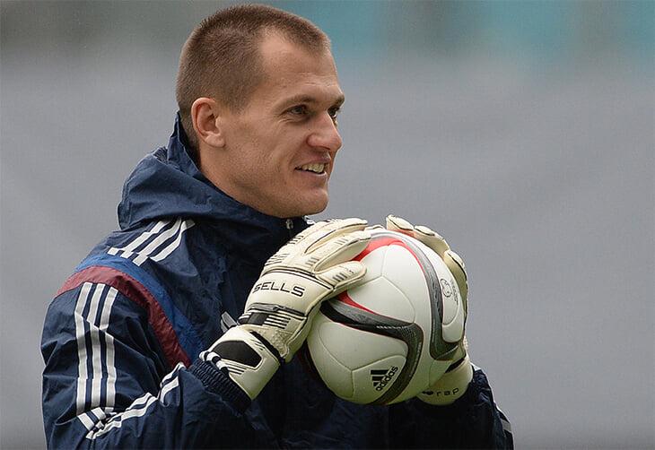 Ребров вспоминает время в сборной: шутки Овчинникова, баттлы Дзюбы и Слуцкого, обстрел в Черногории