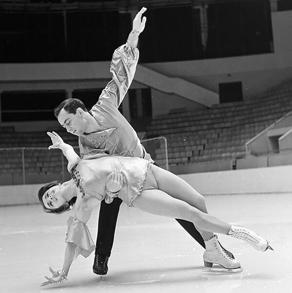 Вы точно не застали, как катался молодой Алексей Мишин – в паре с Тамарой Москвиной они выходили на лед даже 50 лет спустя