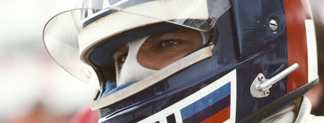 Де Анджелис гонял на уровне Сенны, но погиб на тестах из-за раздолбайства и кошмарного уровня безопасности. Не было медиков, пожарных и вертолета
