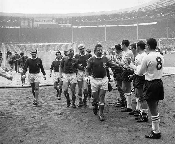 В 1950-х Венгрия рвала всех и играла в финале ЧМ – а потом СССР, тоталитаризм и депортации уничтожили футбольную нацию