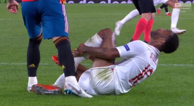 Ramos videoyla Sterlinqin ayağını tapdalamadığını sübut etdi