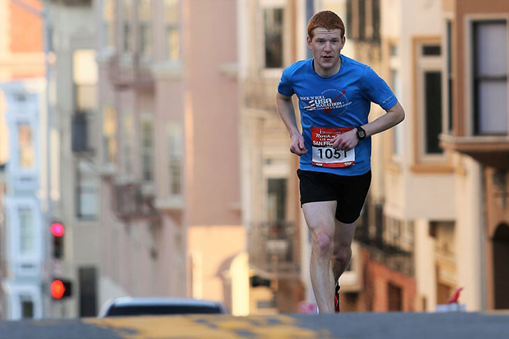 Как не навредить себе, занимаясь бегом? Как правильно готовиться к марафону? Рассказывает Эдуард Безуглов